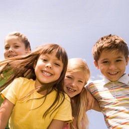 Crianças de 0-13 anos