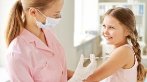 VACINA-CRIANCA-300x169 Sem categoria  Países que exigem vacina contra febre amarela