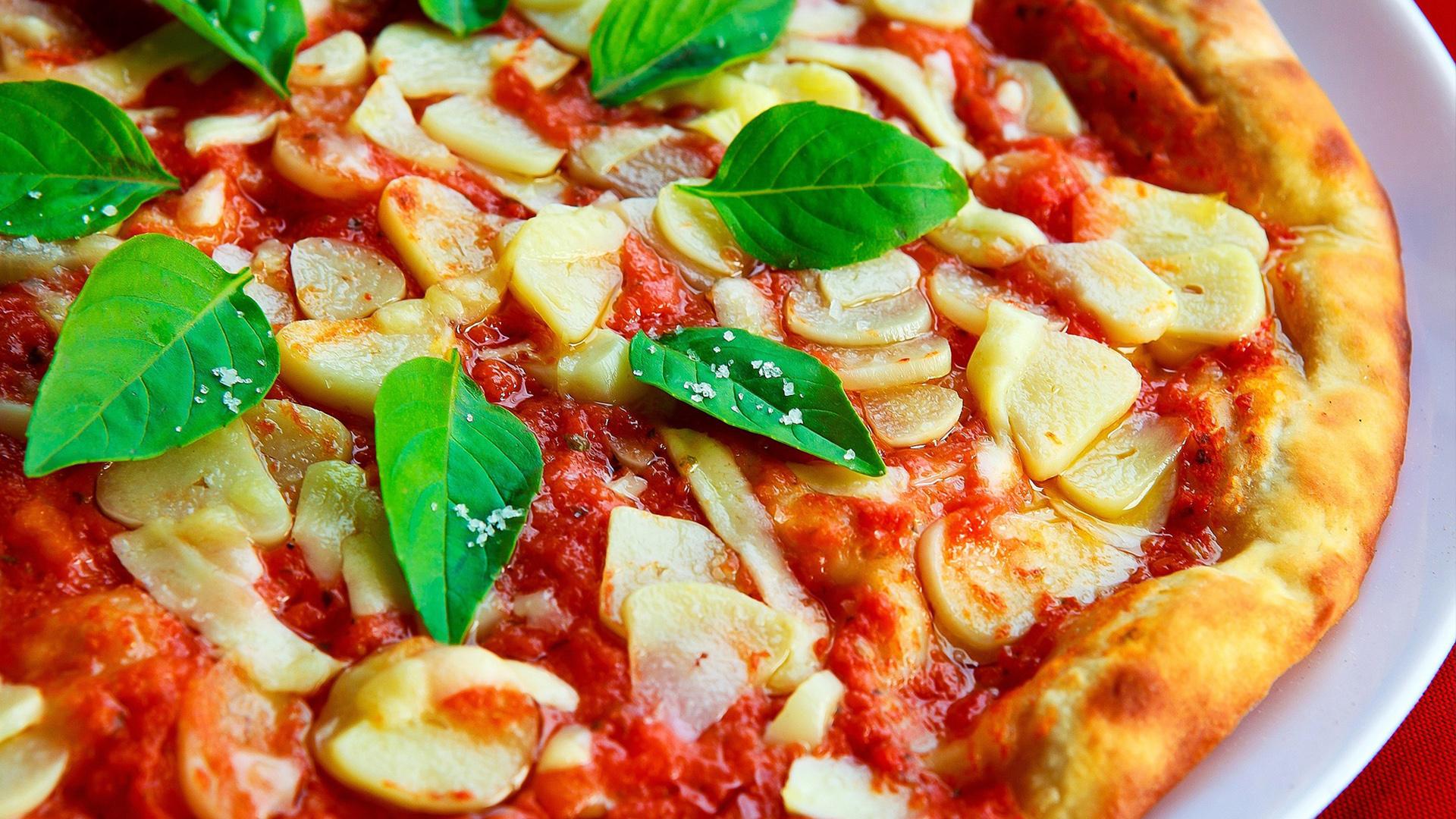 Que tal experimentar uma pizza de massa fina?