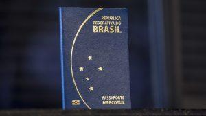 passaporte-e-visto-300x169 Visto Americano  Inauguração do Consulado Americano em Porto Alegre tem data definida