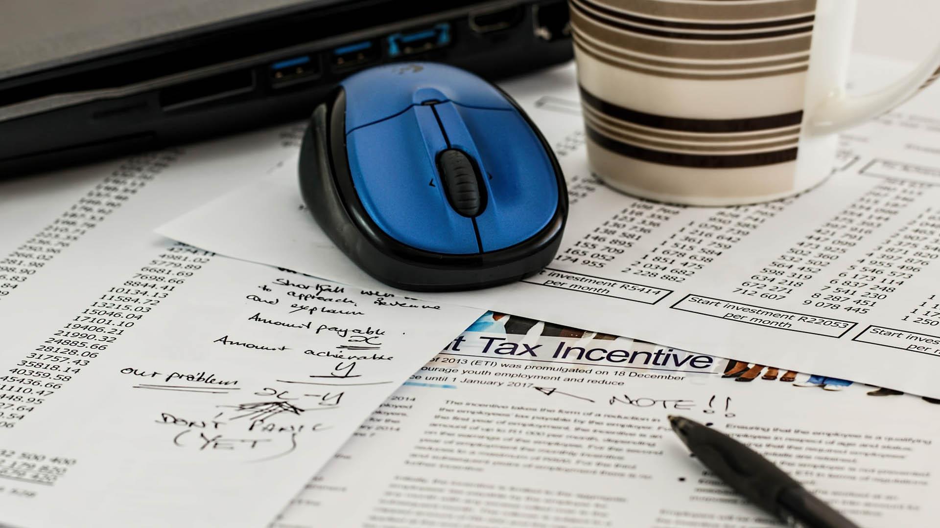 Ter todos os documentos em mãos e de forma organizada agiliza a entrevista e evita falhas.