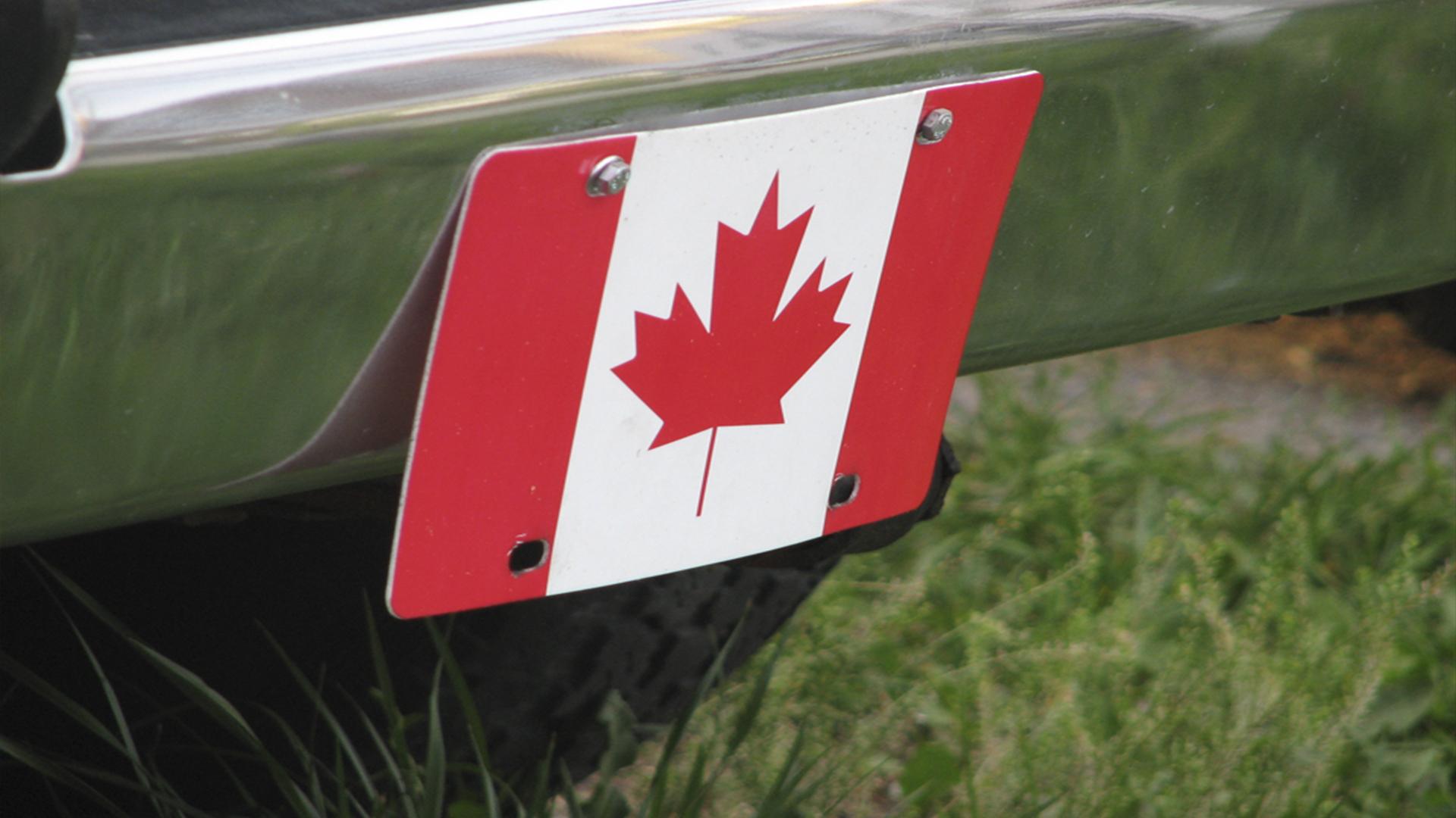 Canadá saiu da regra de cores de passaporte e escolher o passaporte branco como documento de viagem temporário.