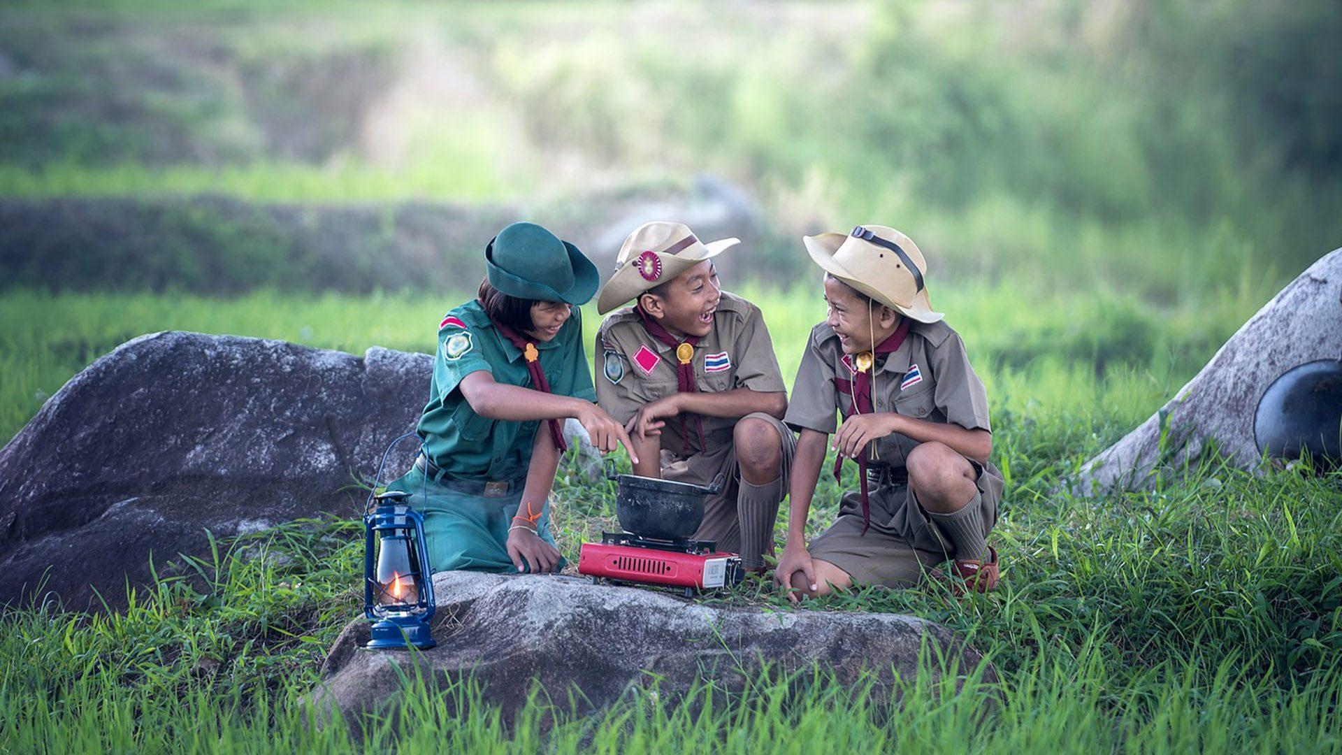 Viajar é a forma mais maravilhosa de aprendizagem. Permita que seu filho explore o mundo e se divirta em novas aventuras.