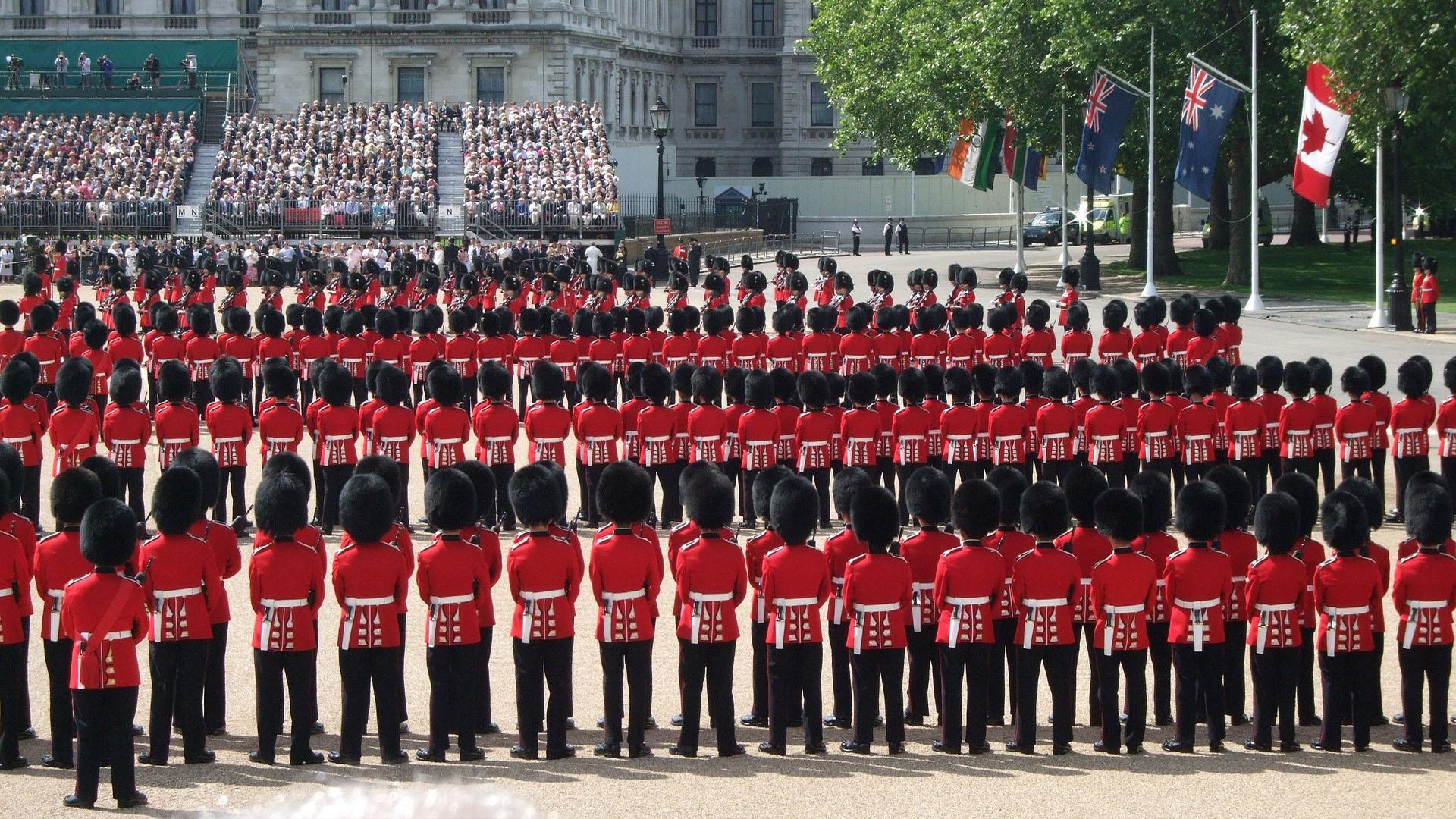 A Rainha da Inglaterra não tem um passaporte e sim milhões deles.