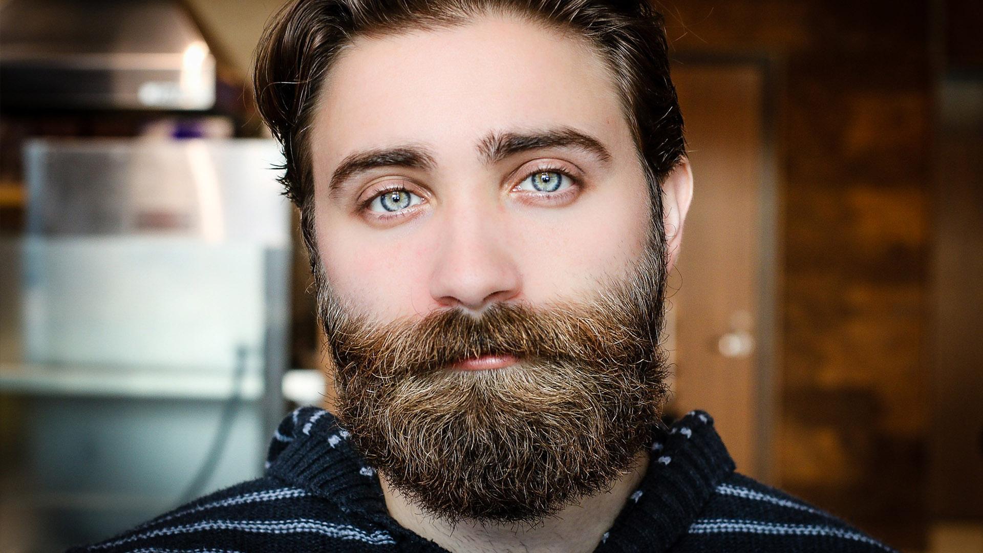 Não há problema algum em tirar foto para passaporte ou para o visto com barba.