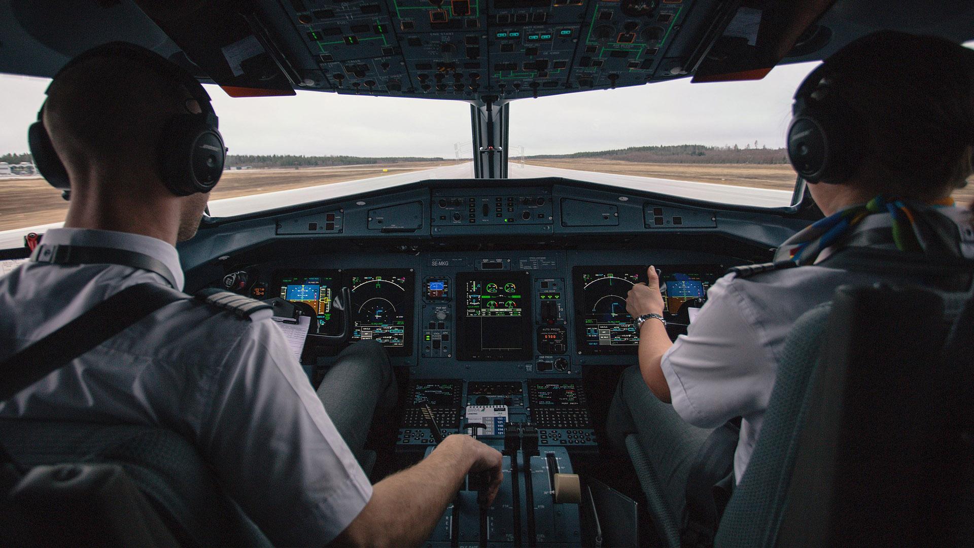 Não entre em pânico, mas o piloto pode estar dormindo em pleno voo.