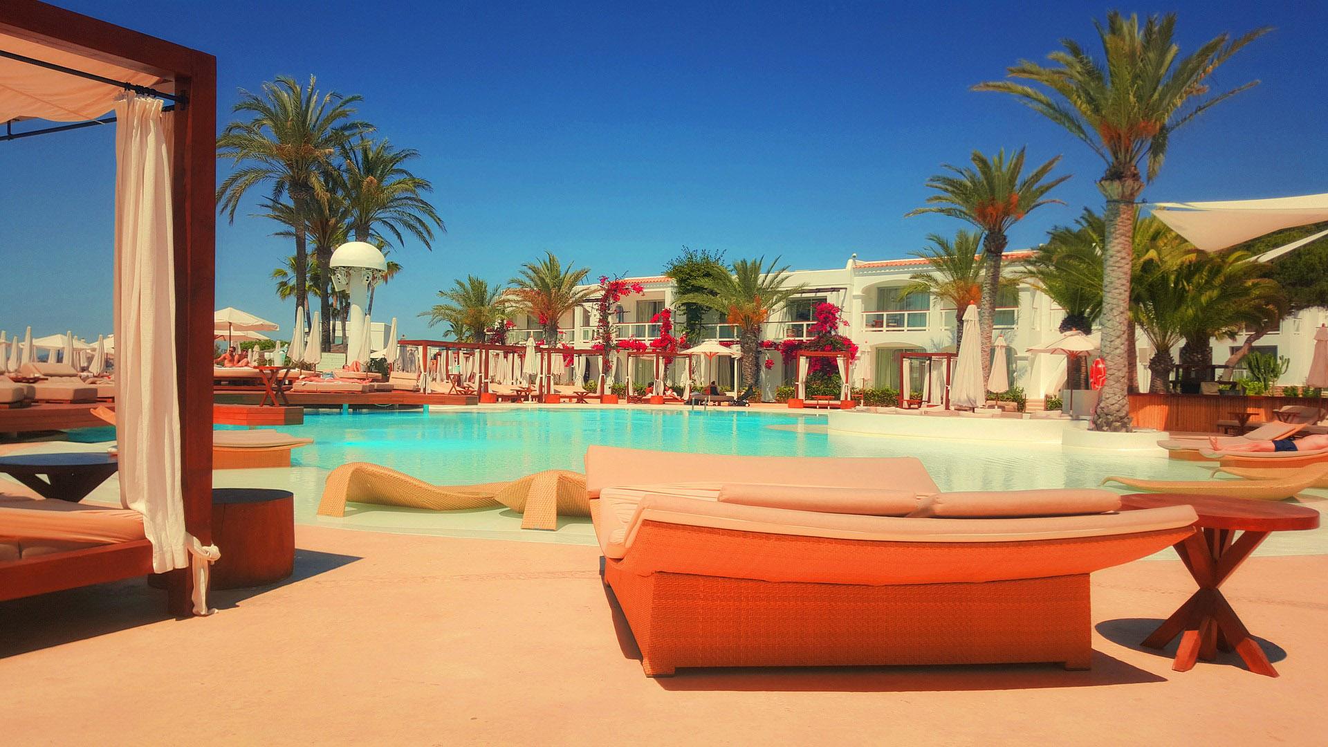Programação diversificada, comida e bebida a vontade e todo conforto e segurança. O que mais pode ser querer de férias em família? O resort tem tudo que você precisa.
