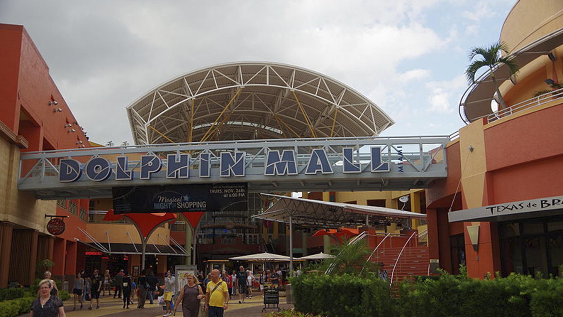 Tranquilo e bem localizado, o Dolphin Mall encanta quem passa por lá.
