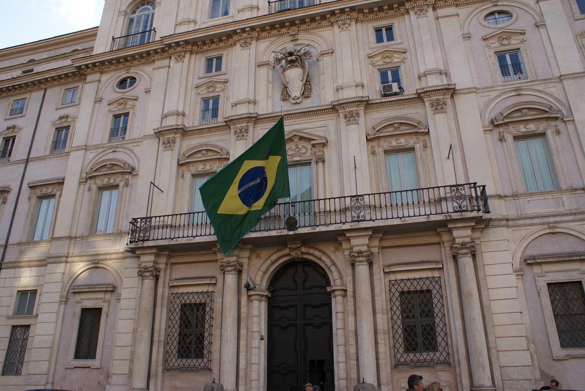 faxada do consulado brasileiro