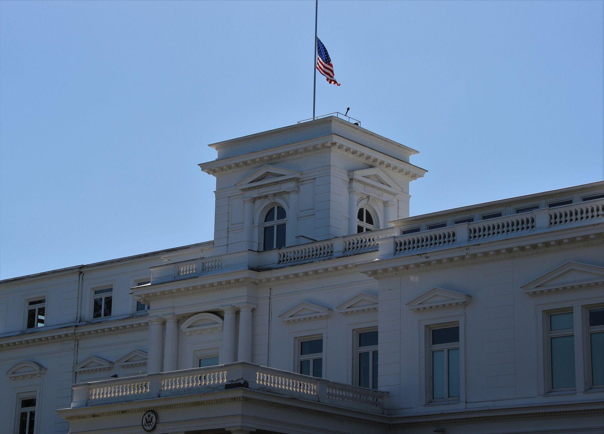 faxada do consulado americano