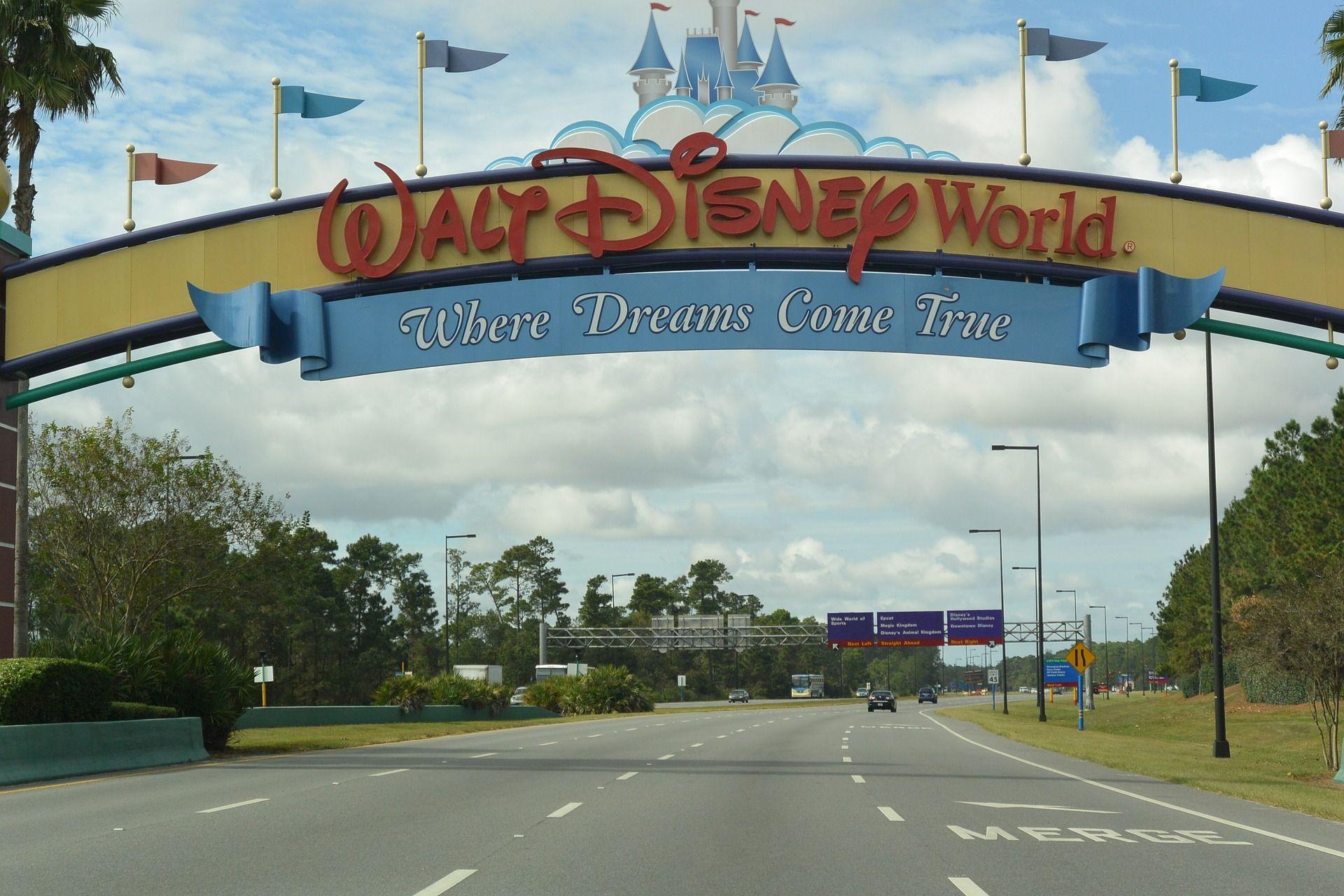 entrada walt disney world orlando vista da estrada