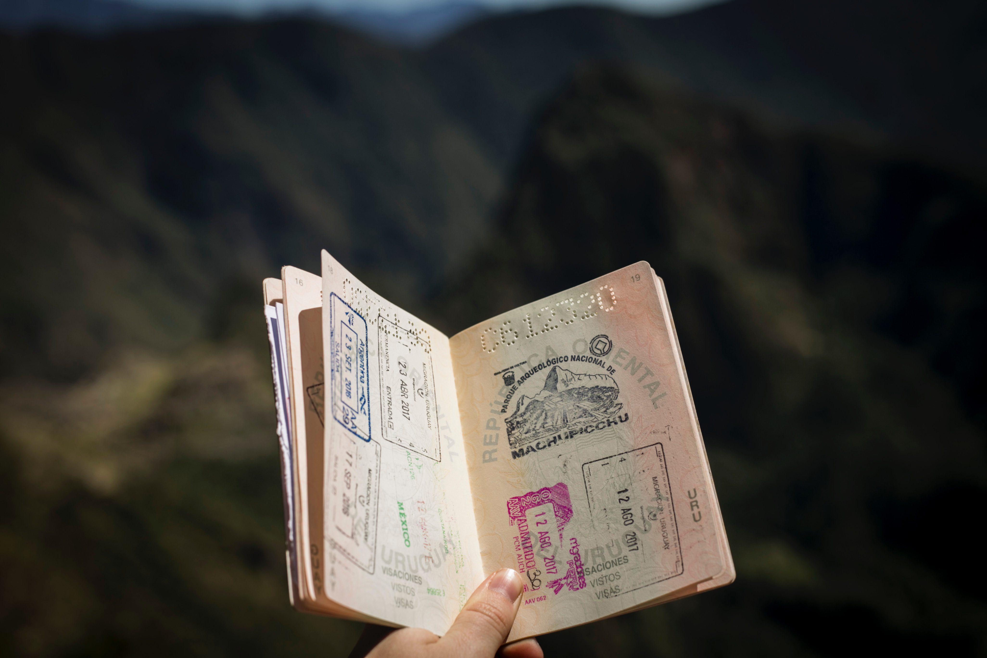 passaporte com vistos carimbados