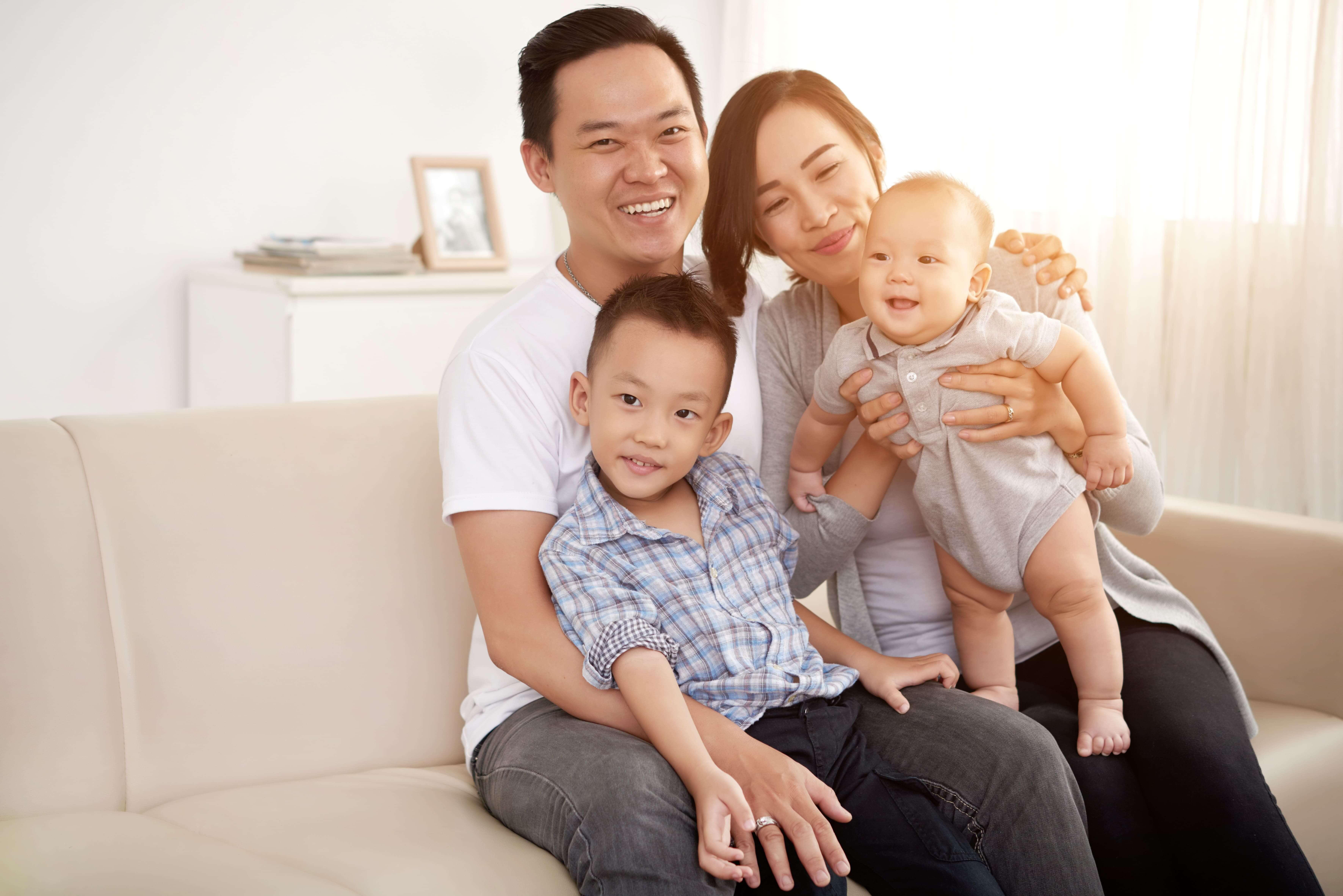 familia japonesa sorridente